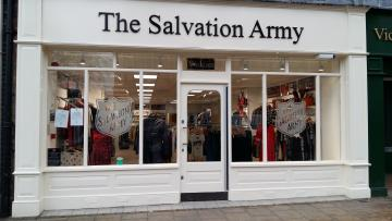 Salvation Army opens the doors to new Leamington charity shop