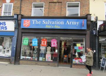 wellingborough-charity-shop-celebrates-twenty-five-years